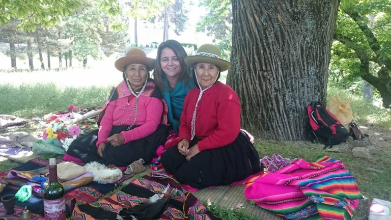 Con Dña María apaza y Doña Isabela